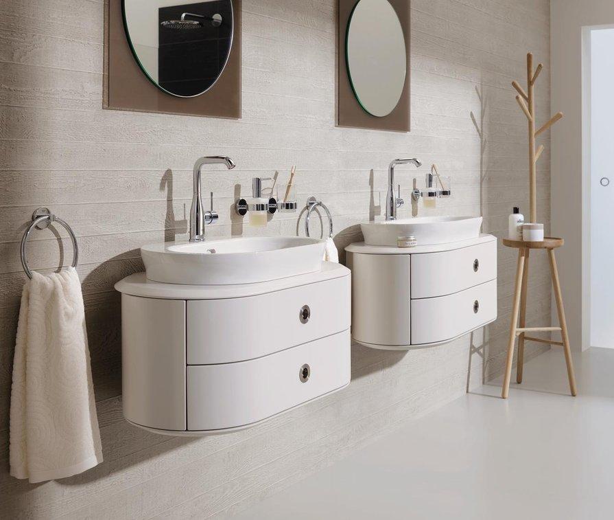 GROHE doppel Waschbecken mit Spiegel