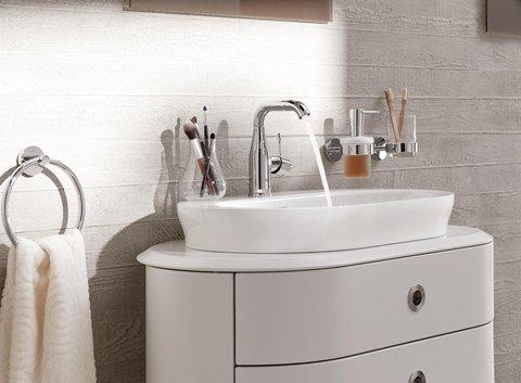 GROHE Waschbecken mit Spiegel