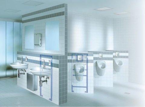 GROHE Badezimmer mit zwei Waschbecken und Spiegel
